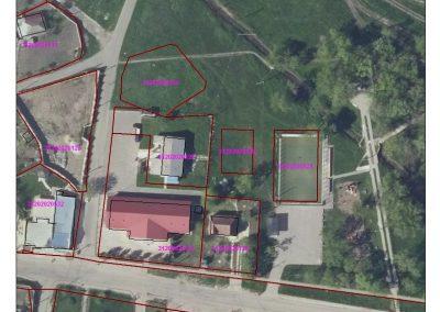 Construcția unui teren de sport pentru volei și baschet